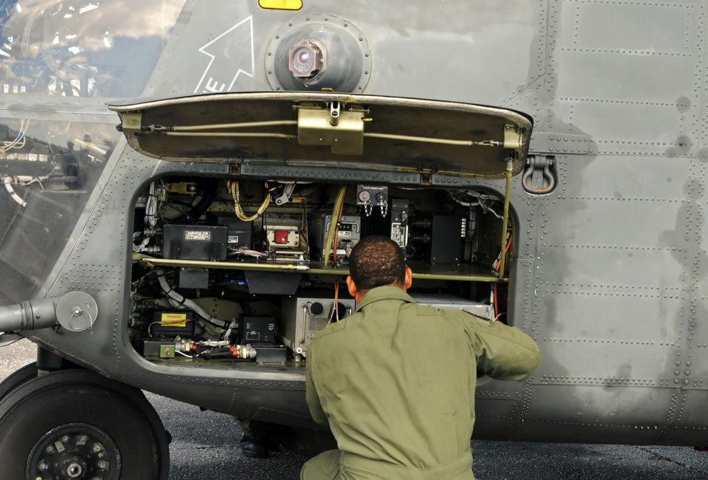 Videoskop visuel inspektion af fly med udstyr fra OLYMPUS
